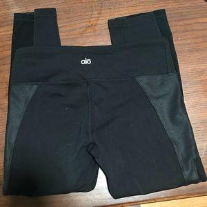 Alo Black Capri yoga pants